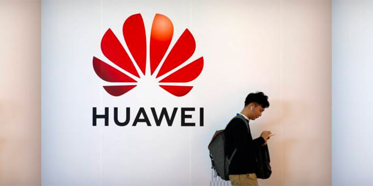 Huawei da bonos a empleados por lidiar con sanciones de EEUU