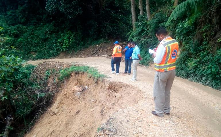 COPECO inspecciona derrumbe sobre vía de comunicación en La Labor, Ocotepeque