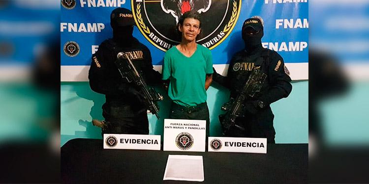 Padre de la modelo hondureña, Nathalia Casco es capturado por usurpación de tierras