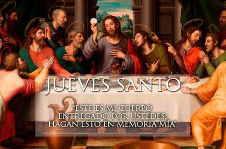 Jueves en que Cristo instituyó el sacramento de la Eucaristía, también conocido como la Última Cena.